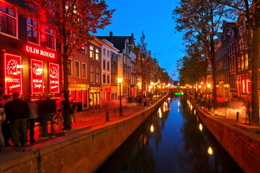 El barrio rojo de Amsterdam, no hay otro igual, visitalo con TUVIAJEABELGICA.COM